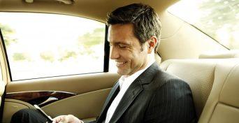 Hier sehen Sie einen zufriedenen Kunden von Diamond Limousine Service GmbH aus Tirol - Vip-Limousinenservice für Business-Kunden
